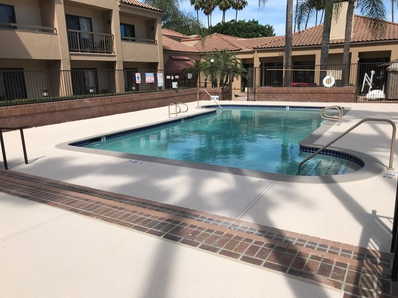 concrete-pool-deck-resurfacing-san-diego