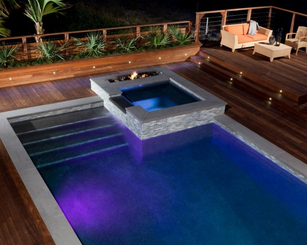 hot tub and jacuzzi by the pool