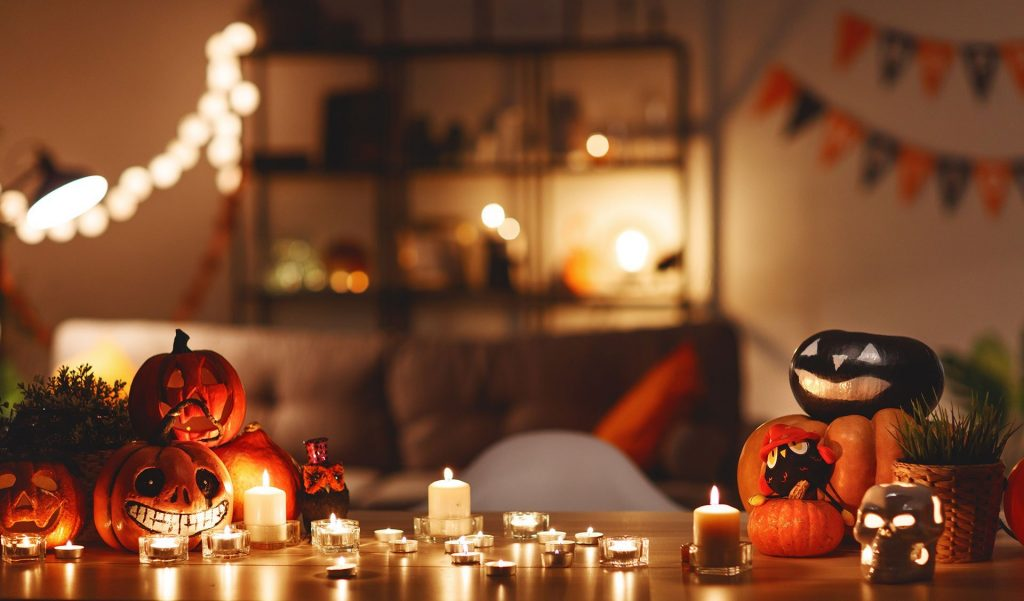 halloween party table candles